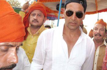 Akshay Kumar in Pedda Dargah